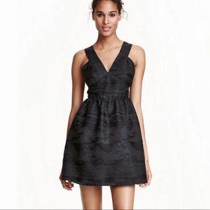 [H&M] Metallic Black Plunging VNeck Cocktail Dress